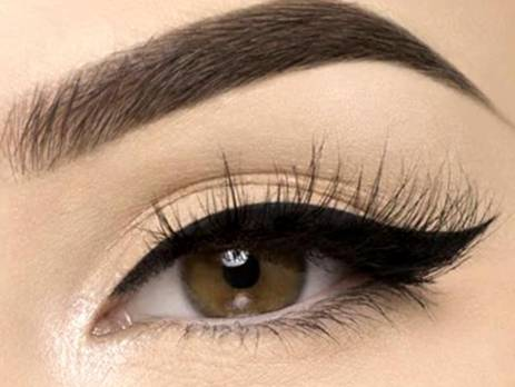 Eye liner Muselot 14.1 463x348 - Mastering the Cat Eye