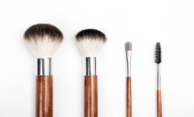 beauty make up make up brushes 205923 640x387 - Home
