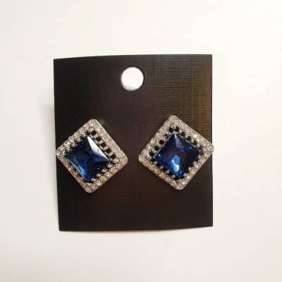 08 6 pc cost XX price YY 400x400 - Jewellery Ear Adornments - Classic Sapphire Squares