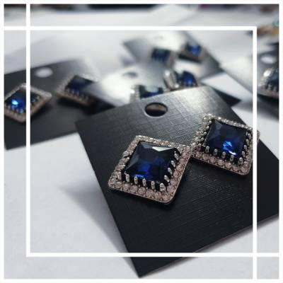66  400x400 - Jewellery Ear Adornments - Classic Sapphire Squares