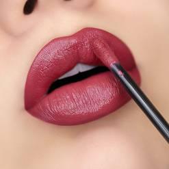 Huda Beauty Demi Matte cream lipstick lady boss