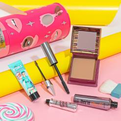Benefit cosmetics BYOB Set in Pakistan